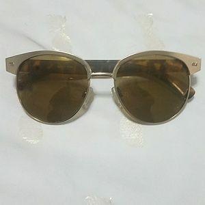 Faux tortoise shell Urban Outfitters sunglasses
